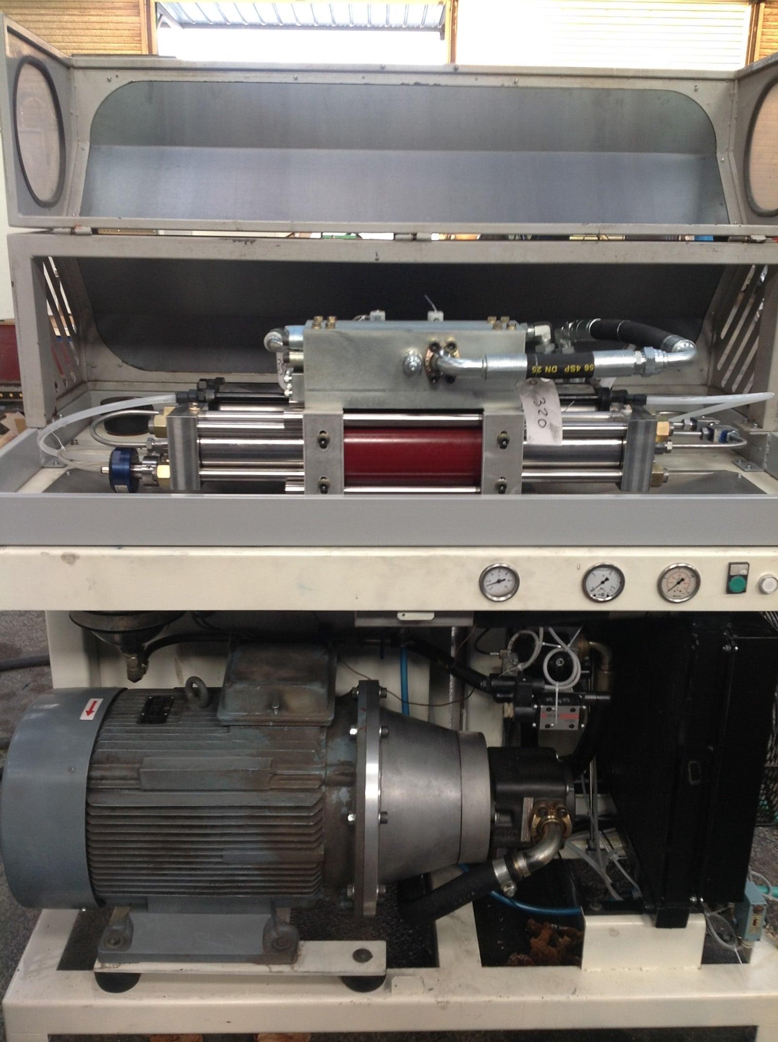 pompesx245bis - Centre de découpe jet d'eau occasion