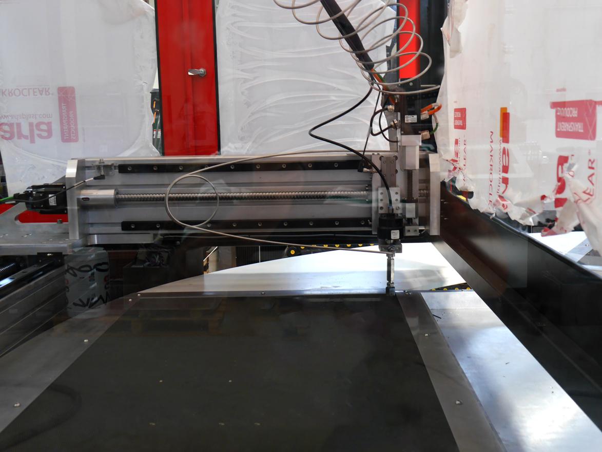 machine ROTOJET decoupe jet deau - ROTO Jet Machine de découpe jet d'eau