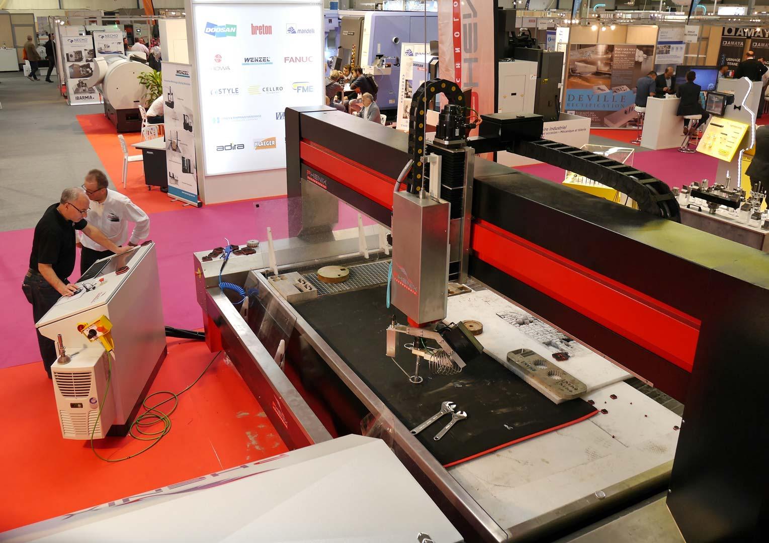 SIANE 2016 PROJet5AXES 103 - Phénix Technologie présent sur le SIANE salon des partenaires de l'Industrie