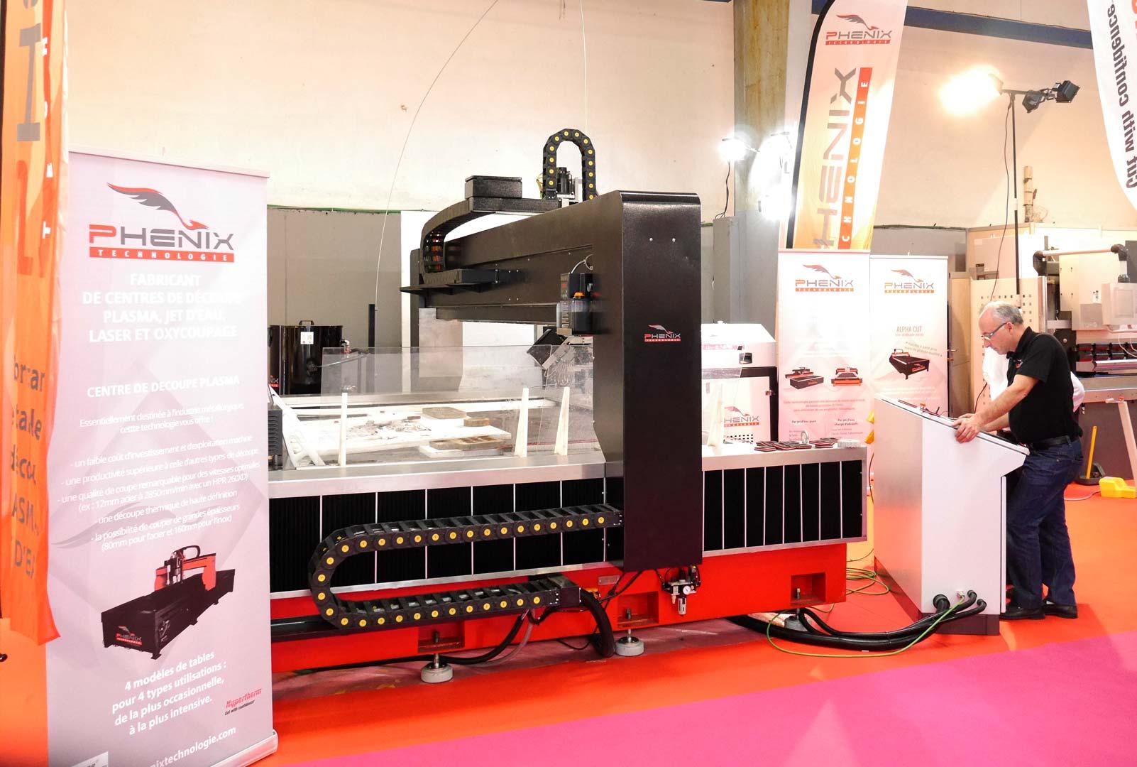 SIANE 2016 PROJet5AXES 106 - Phénix Technologie présent sur le SIANE salon des partenaires de l'Industrie
